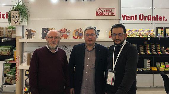 Promotürk Dernek Başkanımız Sn. Dr.Abdullah Gürz; İstanbulda düzenlenen Kırtasiye Fuarındaki üyelerimizi ve firmaları ziyaret etti.
